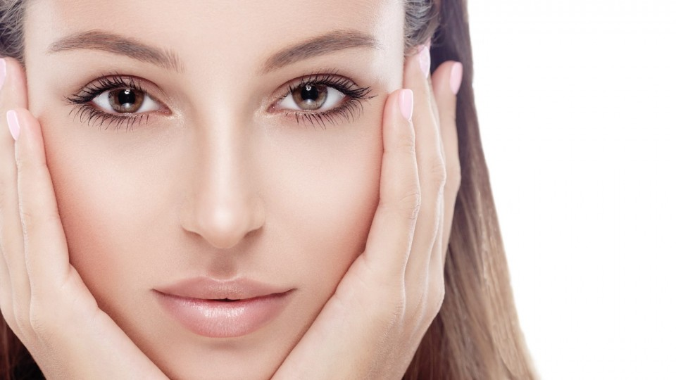 Facial rejuvenation with peeling